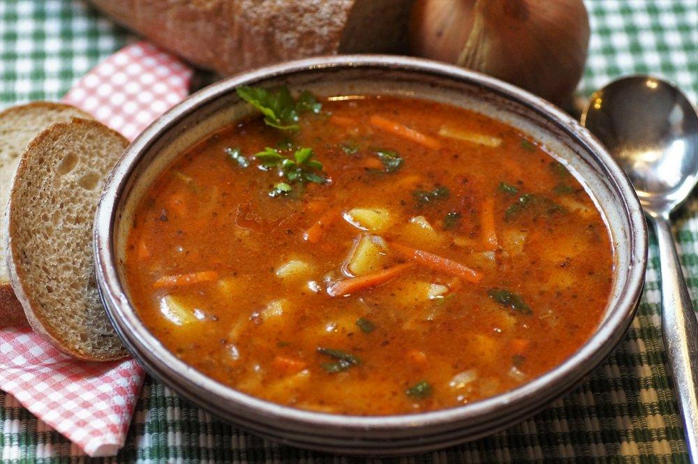 Hustá polévka v chalupářském stylu